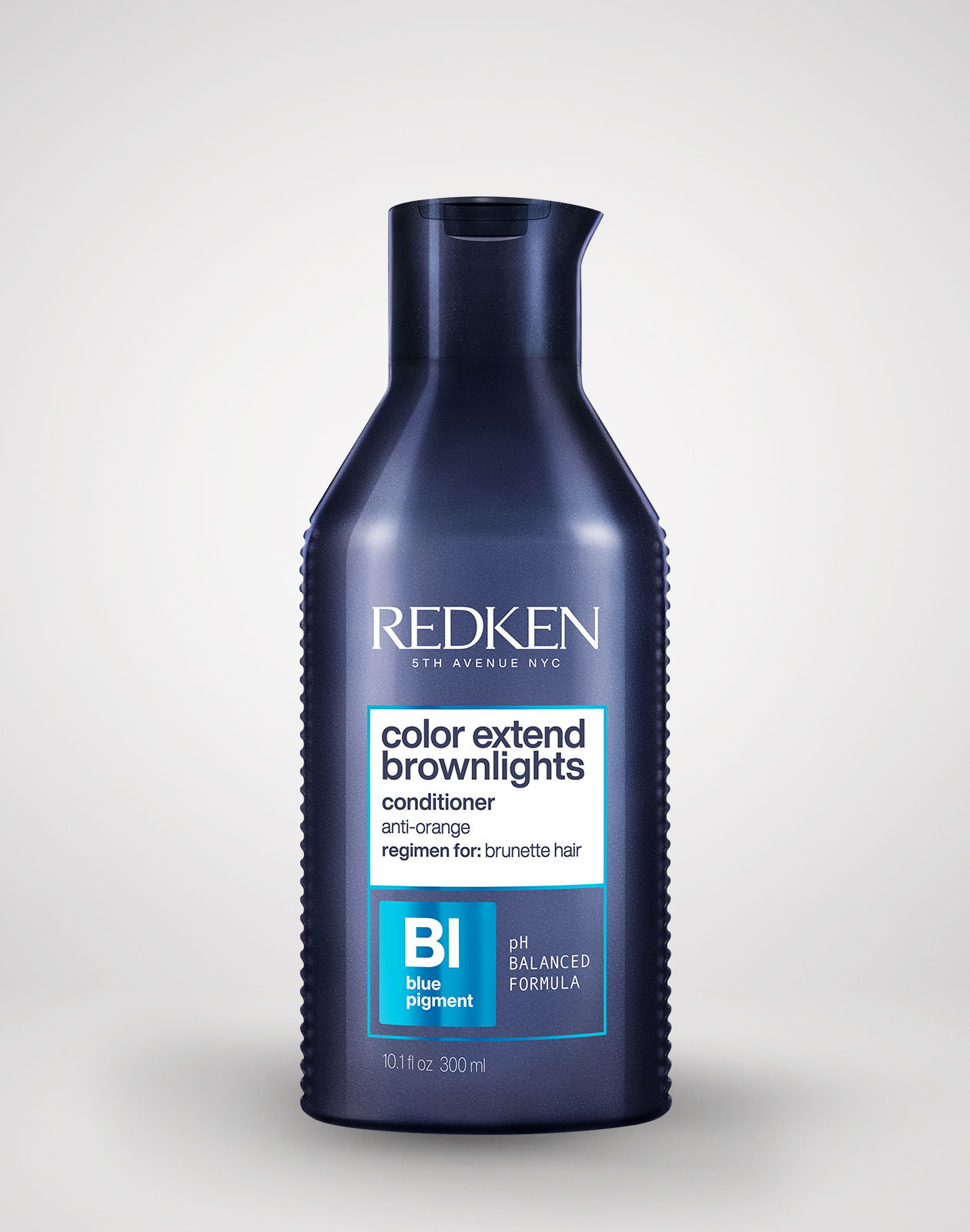 Redken-2019-Color-Extend-Brownlights-Conditioner-Product-Shot-Gray-1260x1600