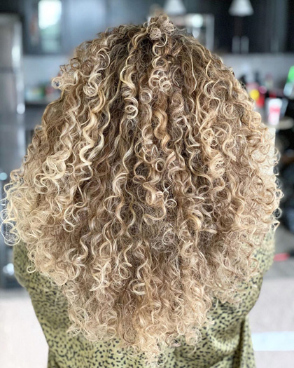 Beautiful Curly Blonde Hair by Leysa